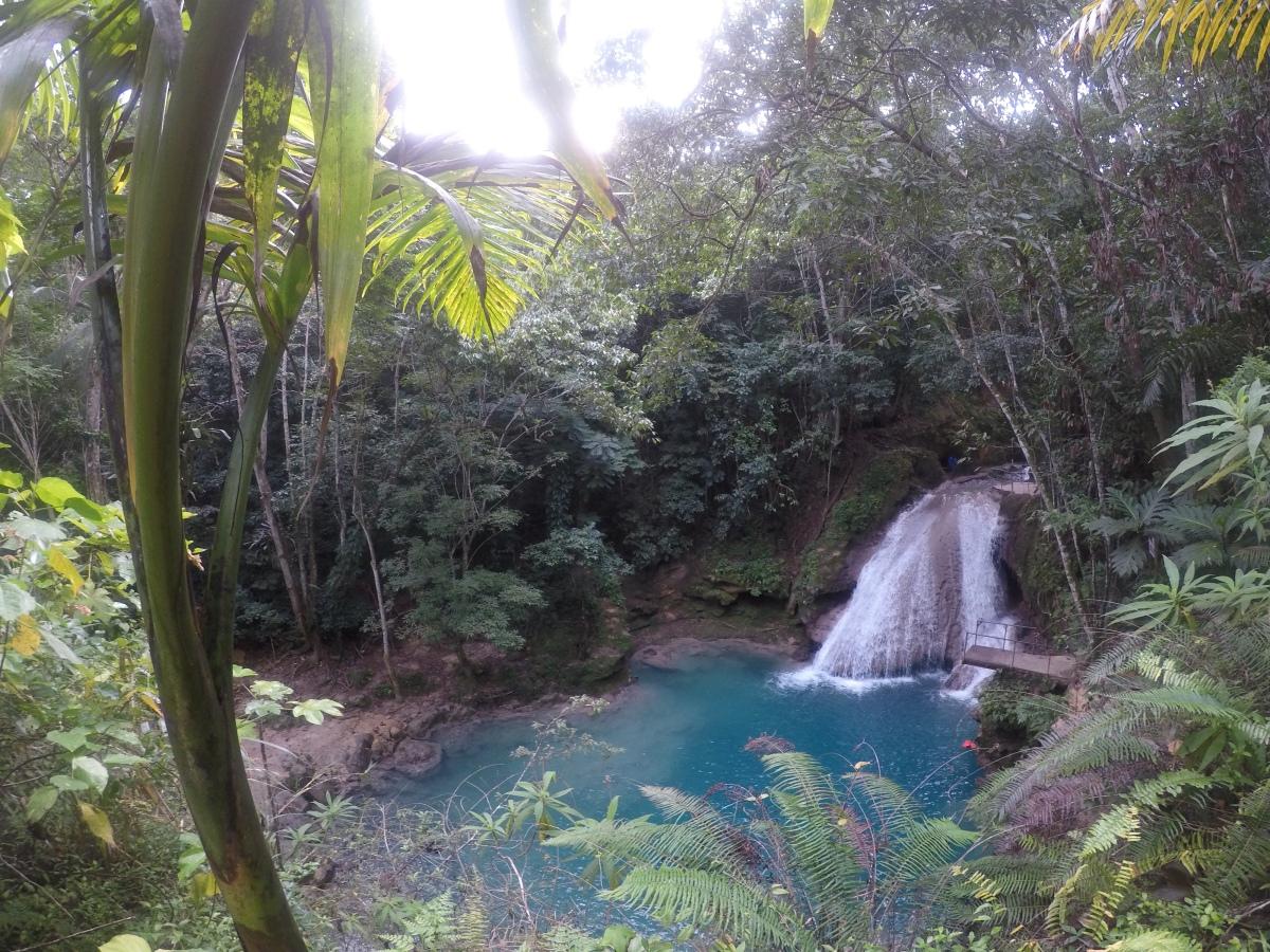 The Blue Hole Waterfall in Jamaica_Ocho Rios